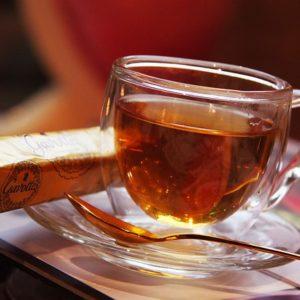 z herbatą