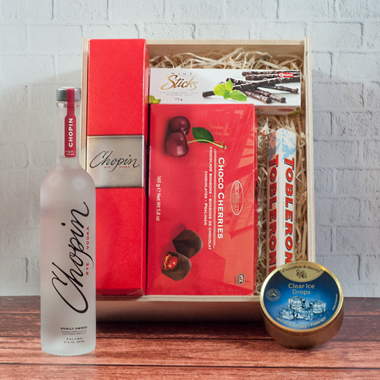 skrzynka na prezent symfonia chopina w drewnianej skrzynce ze słodyczami i alkoholem
