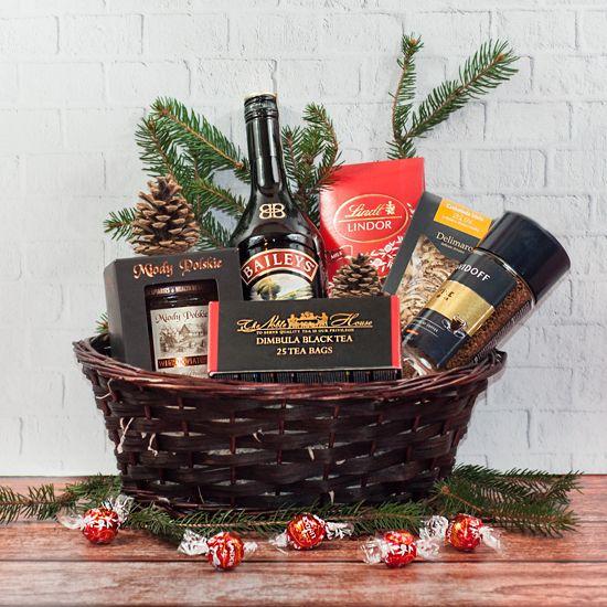zestaw świąteczny z alkoholem Irlandzka wigilia w koszu wiklinowym od Smakoszyków