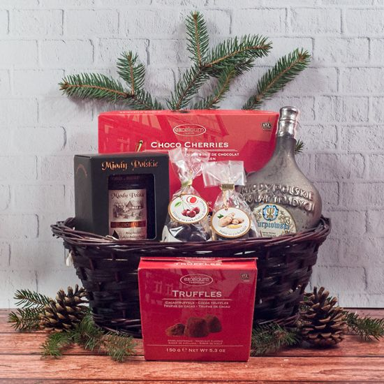zestaw świąteczny w koszu wiklinowym z miodem pitnym i słodyczami